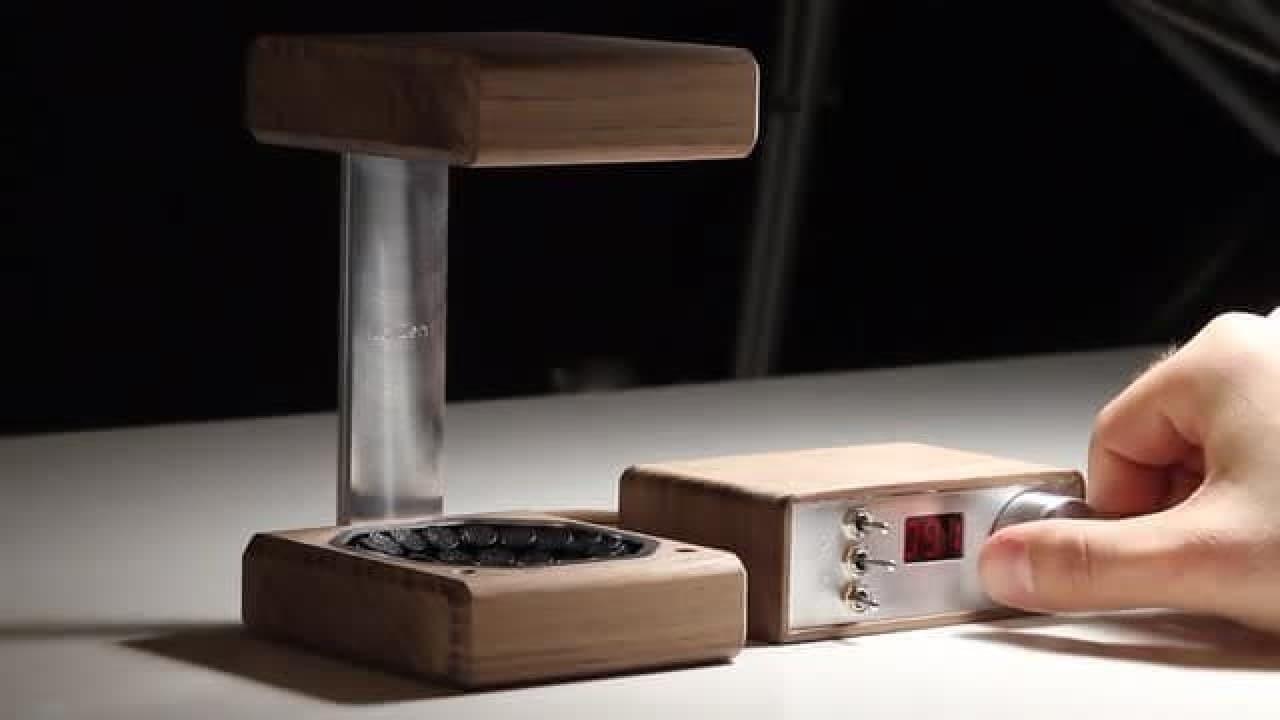 超音波で水滴を宙に浮かせるギーク好みのインテリア「LeviZen」