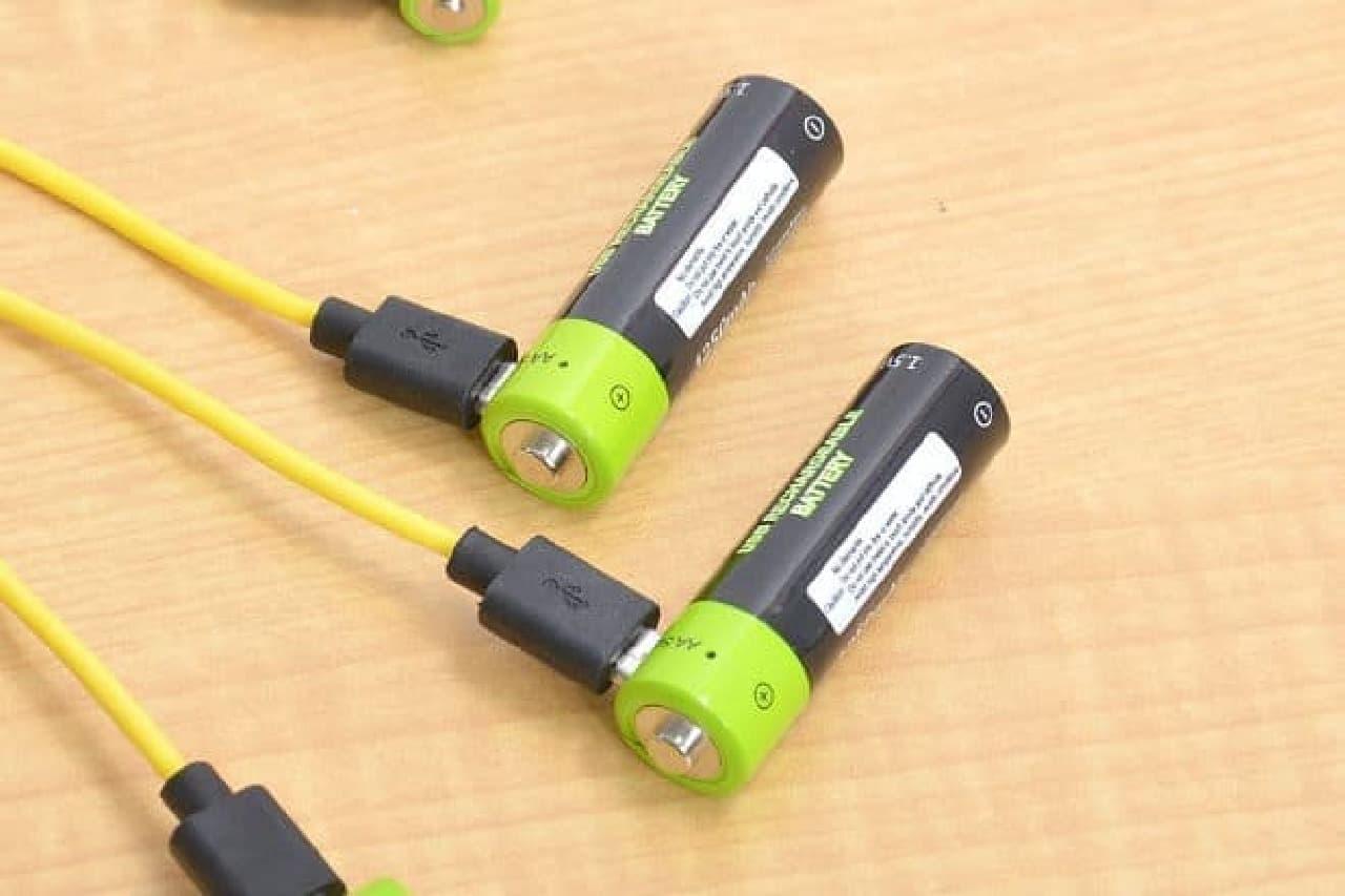 microUSBがついた乾電池