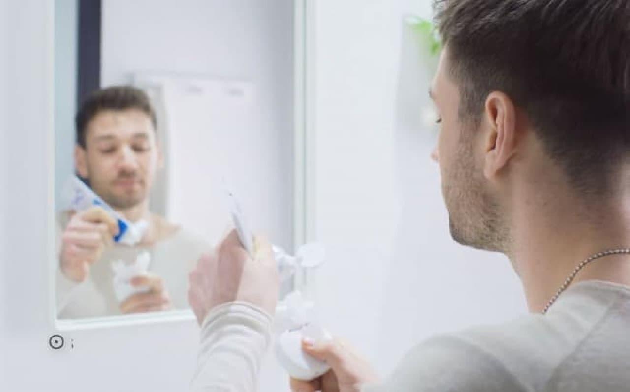 全部の歯を同時に磨く電動歯ブラシ「V-WHITE」
