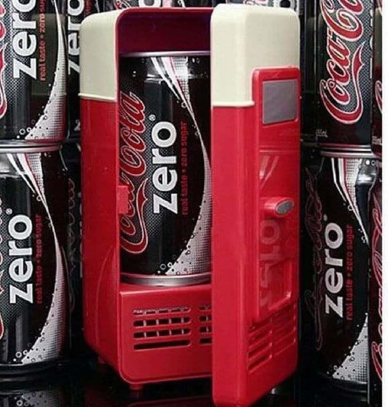 缶飲料を冷やせるUSB冷蔵庫「Mini USB Fridge」