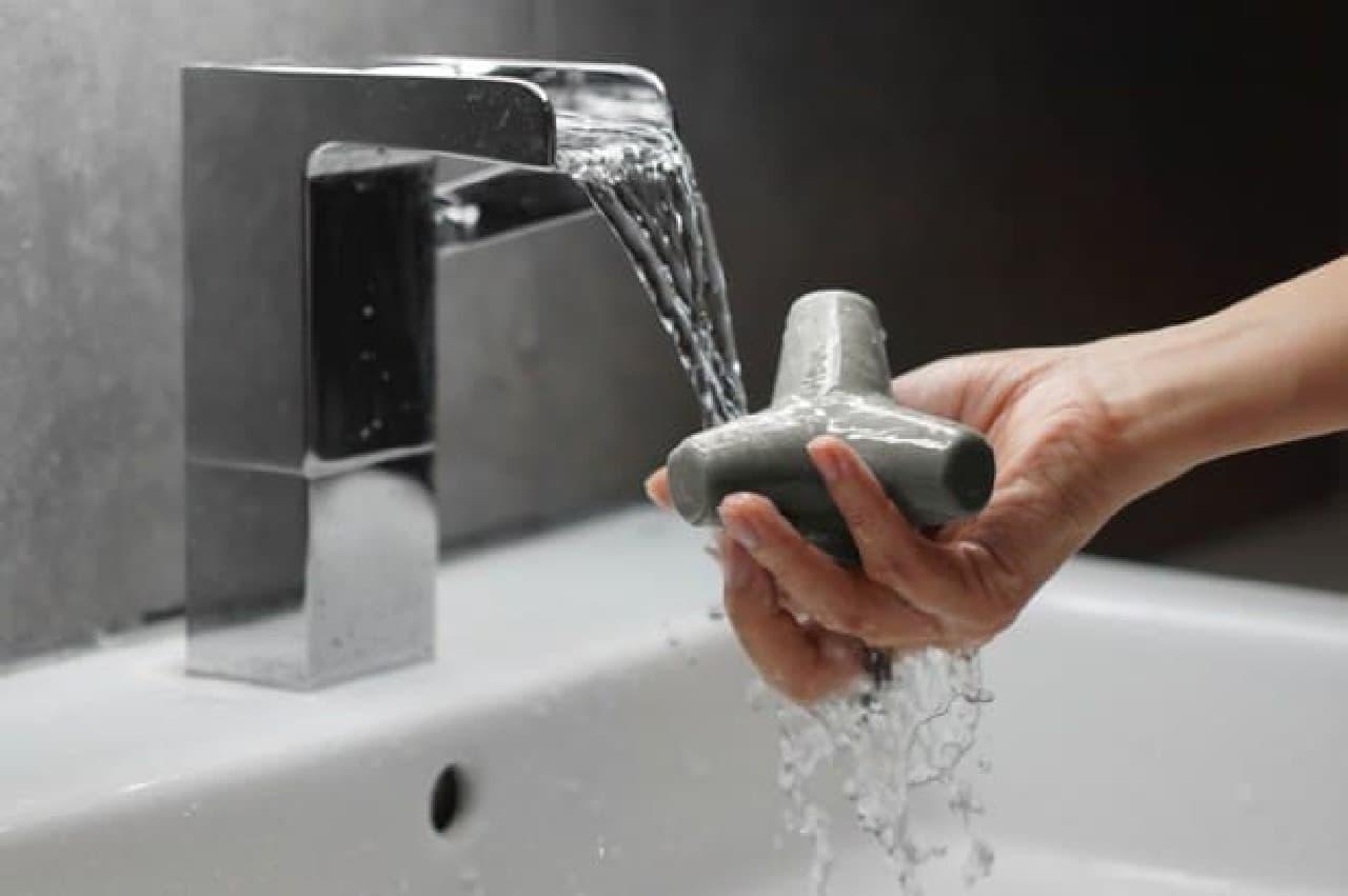 消波ブロック型の石けん「TETRA SOAP(テトラソープ)」
