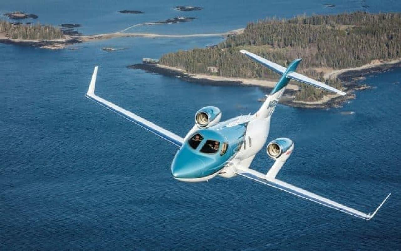 ホンダ、新型「HondaJet Elite(エリート)」を公開―航続距離396キロ延長