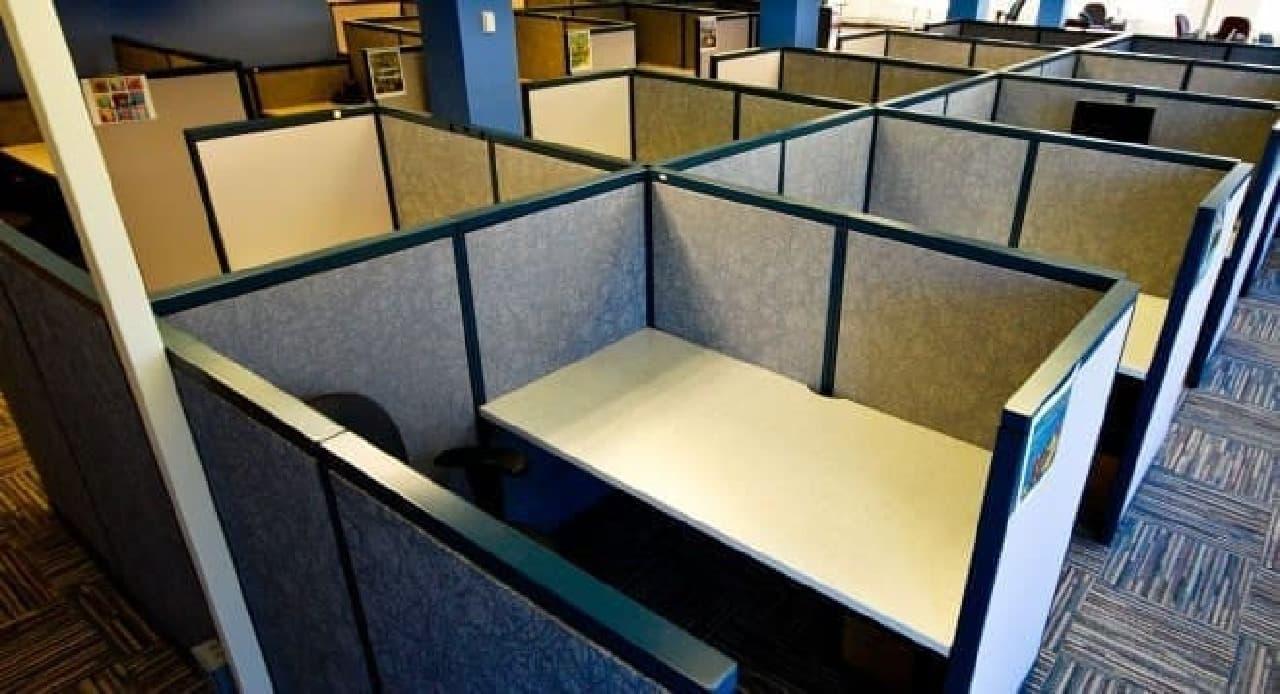 キュービクル型オフィス
