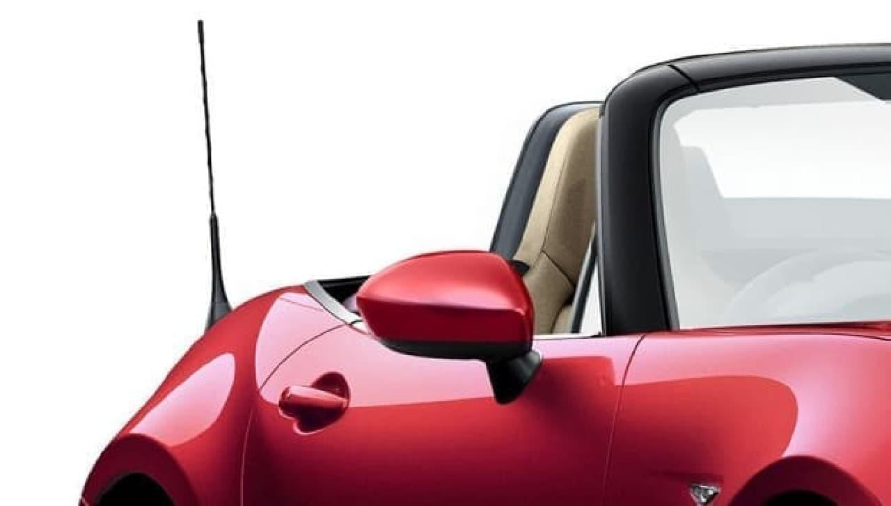 特別仕様車「Caramel Top」ボディ同色ドアミラー