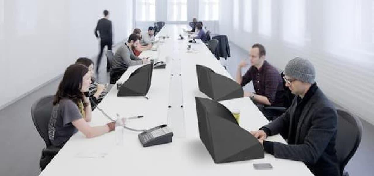 どこでもオフィス」を実現するノートPCケース「Alcove」