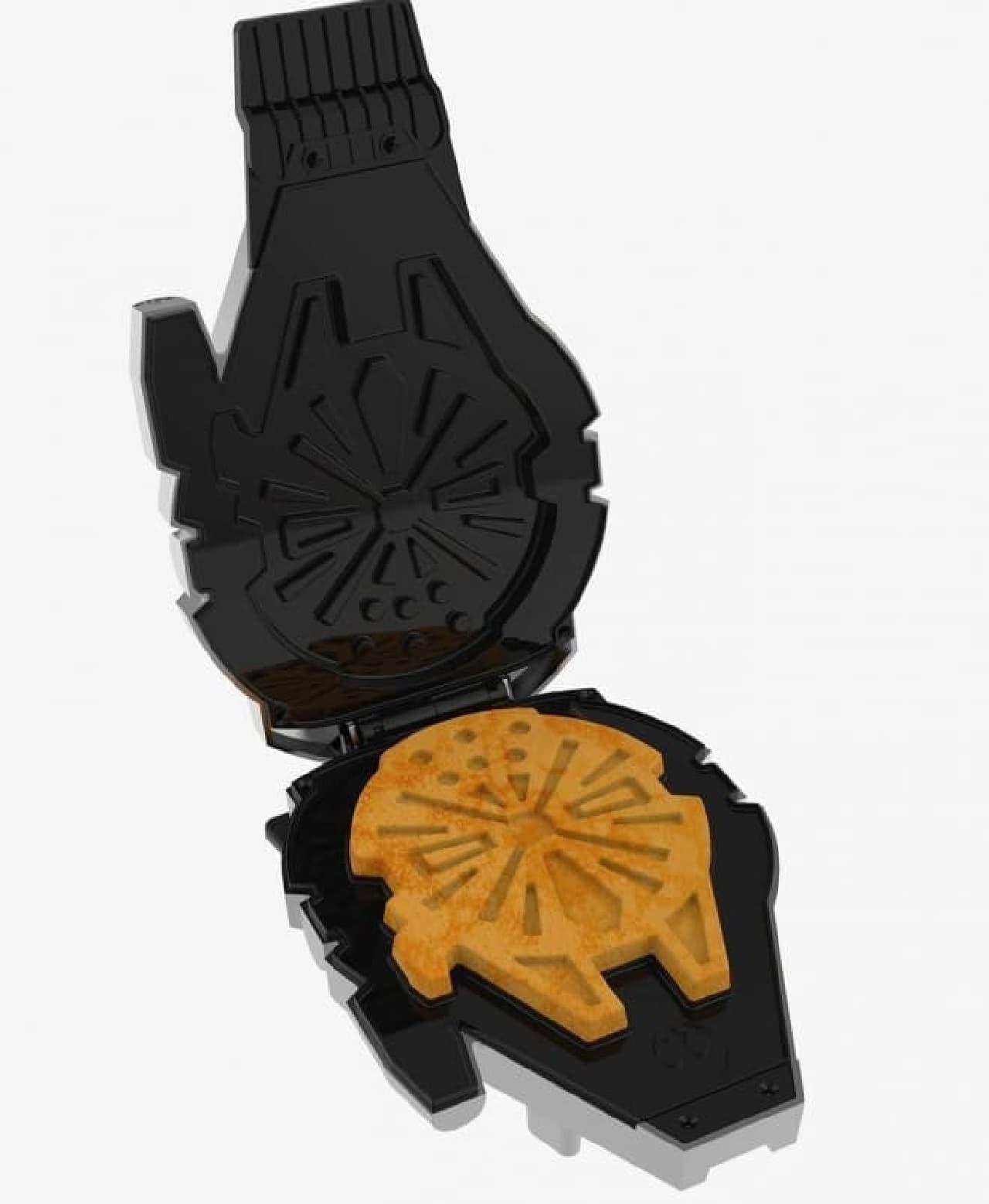 ミレニアム・ファルコン型のワッフルが焼ける「Millennium Falcon Waffle Maker」