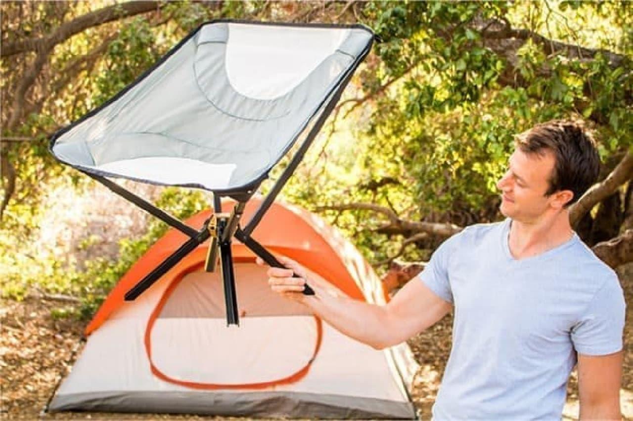 折り畳むとボトルサイズになるキャンプチェア「Go Chair」