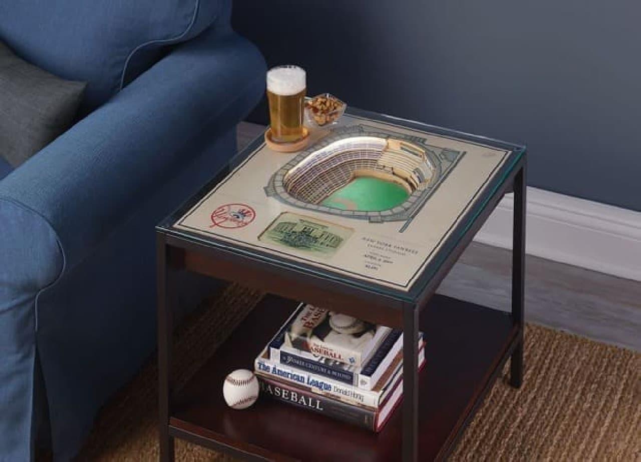 MLB球場を模したサイドテーブル「Stadium Replica End Table」