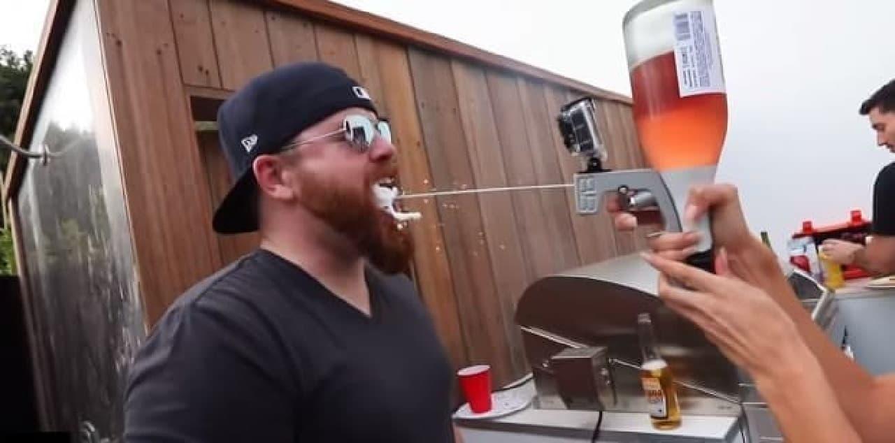 シャンパンファイトを手軽に、経済的に楽しめる「Bubbly Blaster」