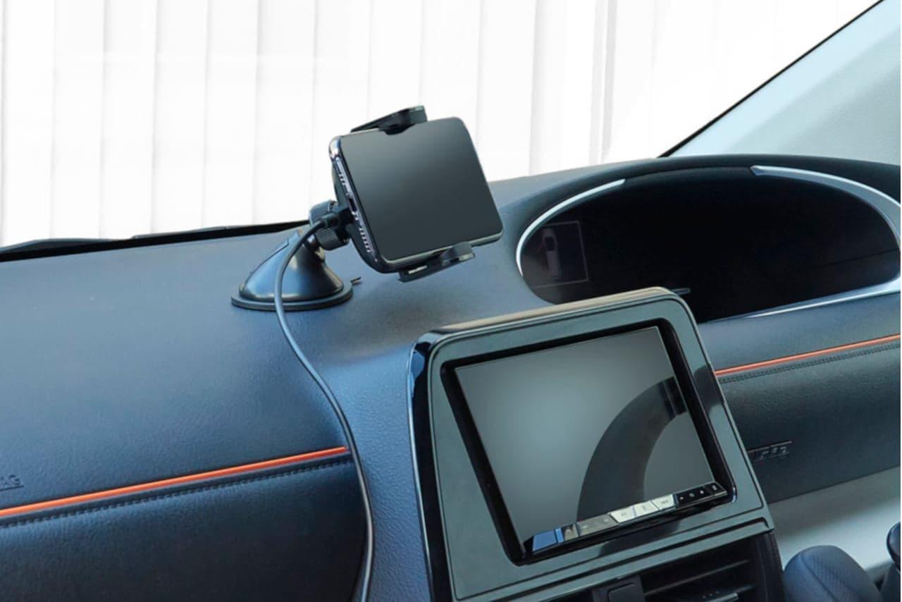「置くだけ充電」できる車載スマホホルダー「W-QC02BK」