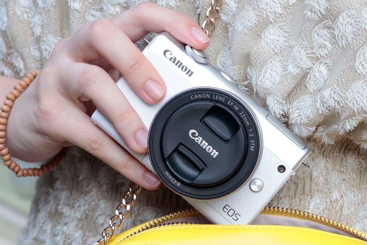 ミラーレスカメラ「EOS M200」