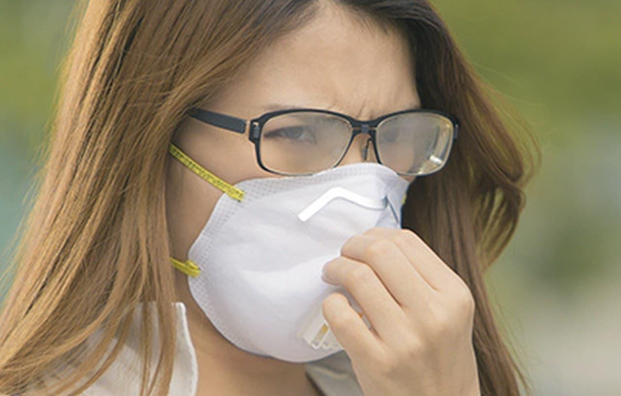 マスク型の口に装着する空気清浄機「AM-9500」 ― ファン内蔵で夏でも快適に装着できる