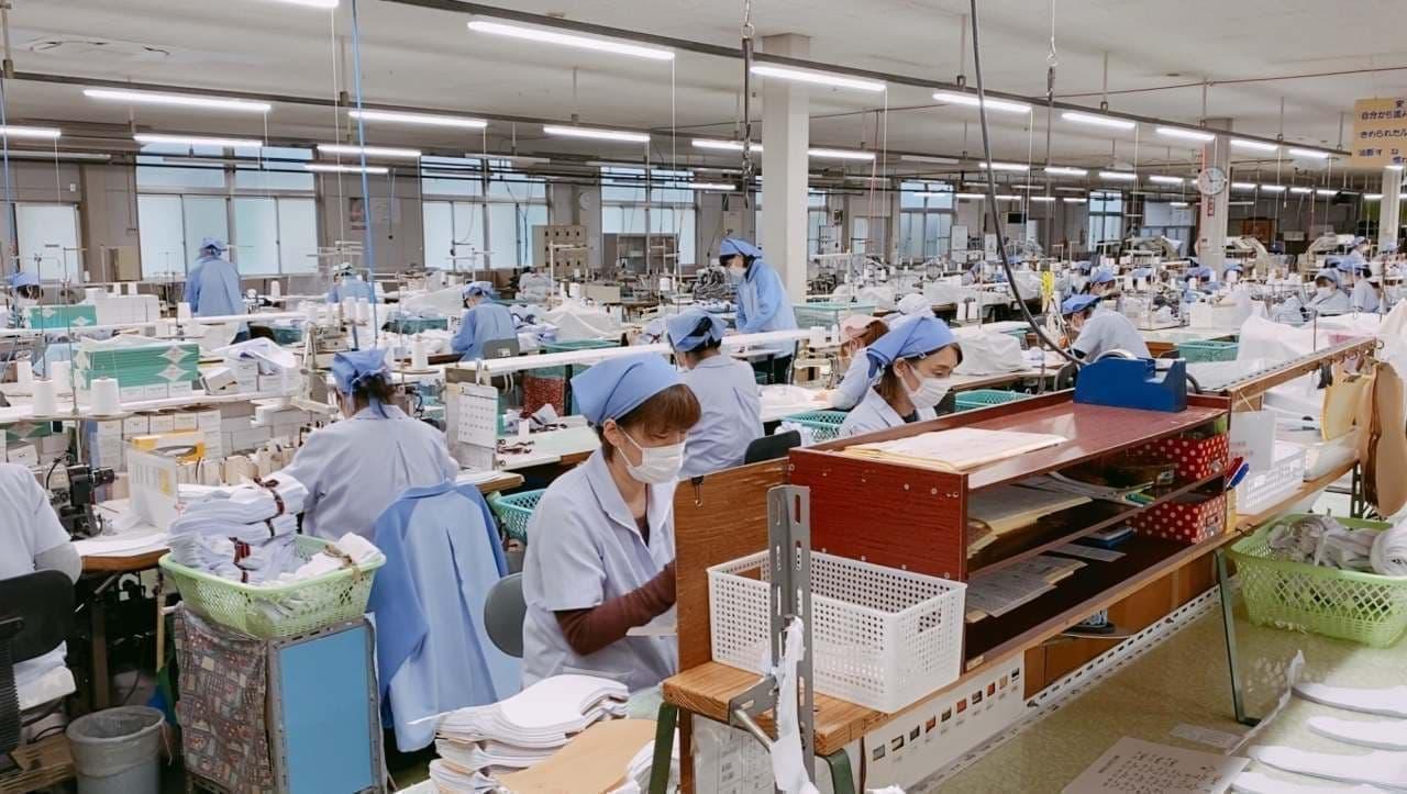 福助が足袋工場で製造した立体マスク「足袋職人がつくったマスク」を販売