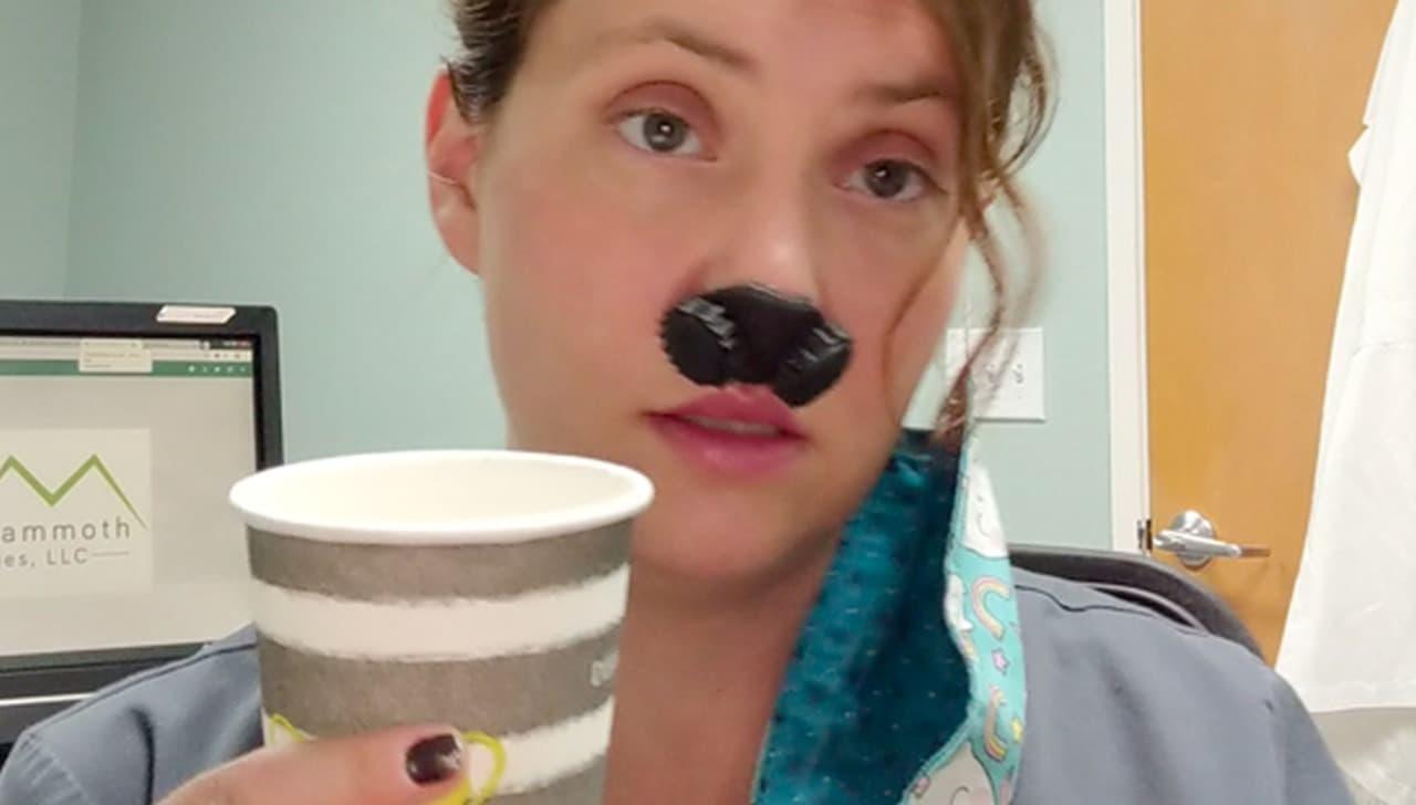 鼻だけマスク「Hero Mammoth」米国のドクターが開発