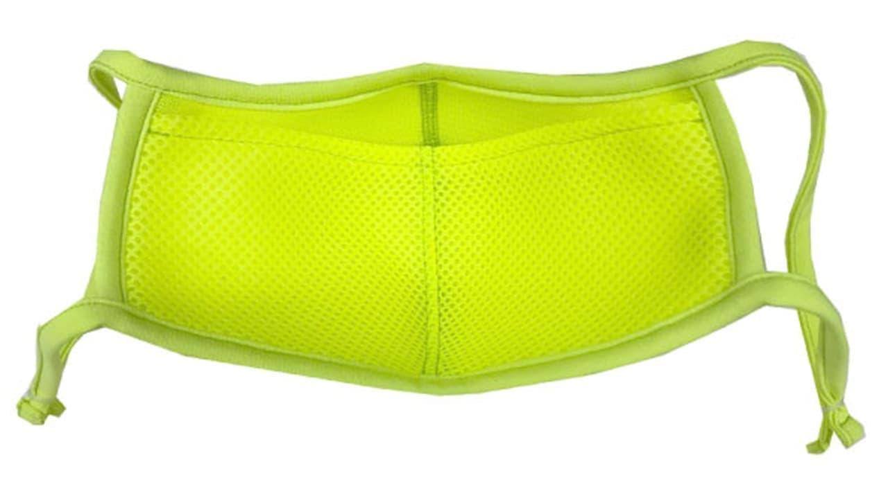 洗濯機OKの「スポーツマスクエアーM」に反射材付きの「リフレクター」! 夜間のランニングでも安心