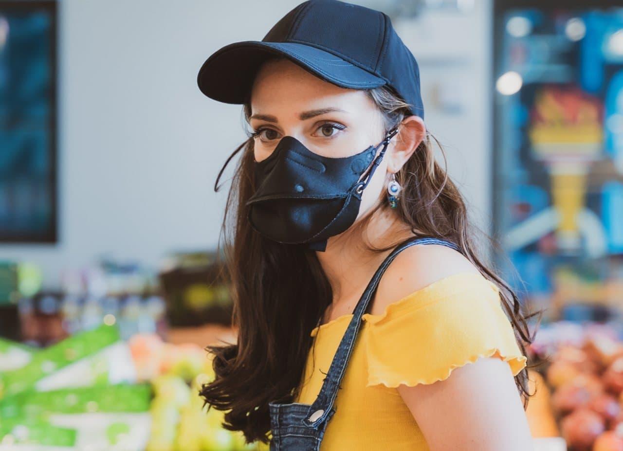 もうマスクを忘れない 帽子一体型マスク「Hide-a-Mask」