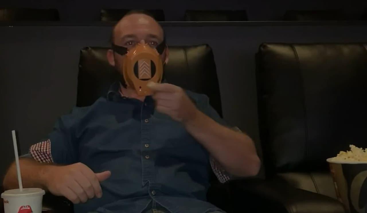 マスクをしたままごはんを食べたい!ドリンクを飲みたい! - センサーで自動開閉する「AutoMask」