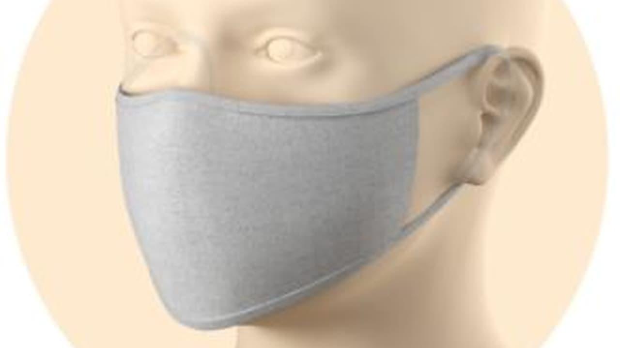 耳にかける紐部分はアジャスター付きで、顔にフィットするよう調整できる。