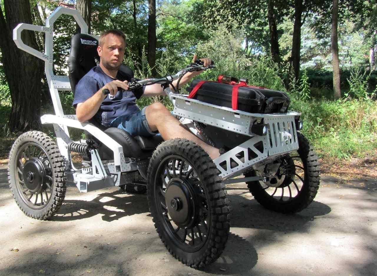 4輪駆動のマウンテンカート「EV4 Mountain Cart 4x4」