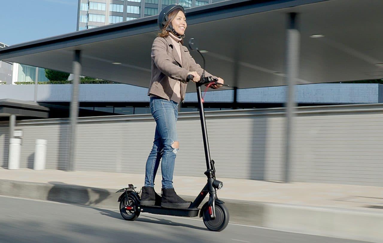 公道を走れる電動キックボード「eXs1」「eXs2」12月15日発売