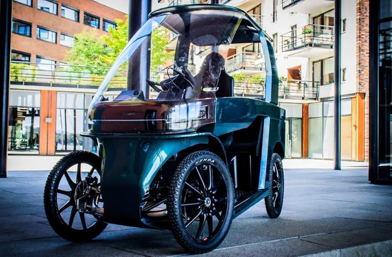 2人乗りのEV「CityQ」 幅わずか87cmと自転車並みにコンパクト