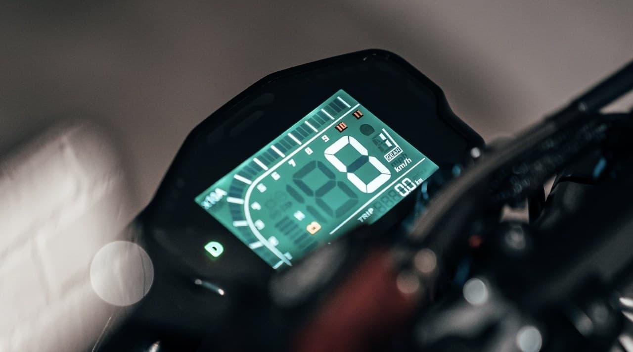 電動バイクSONDORS「Metacycle」― タンクレスで低重心を実現
