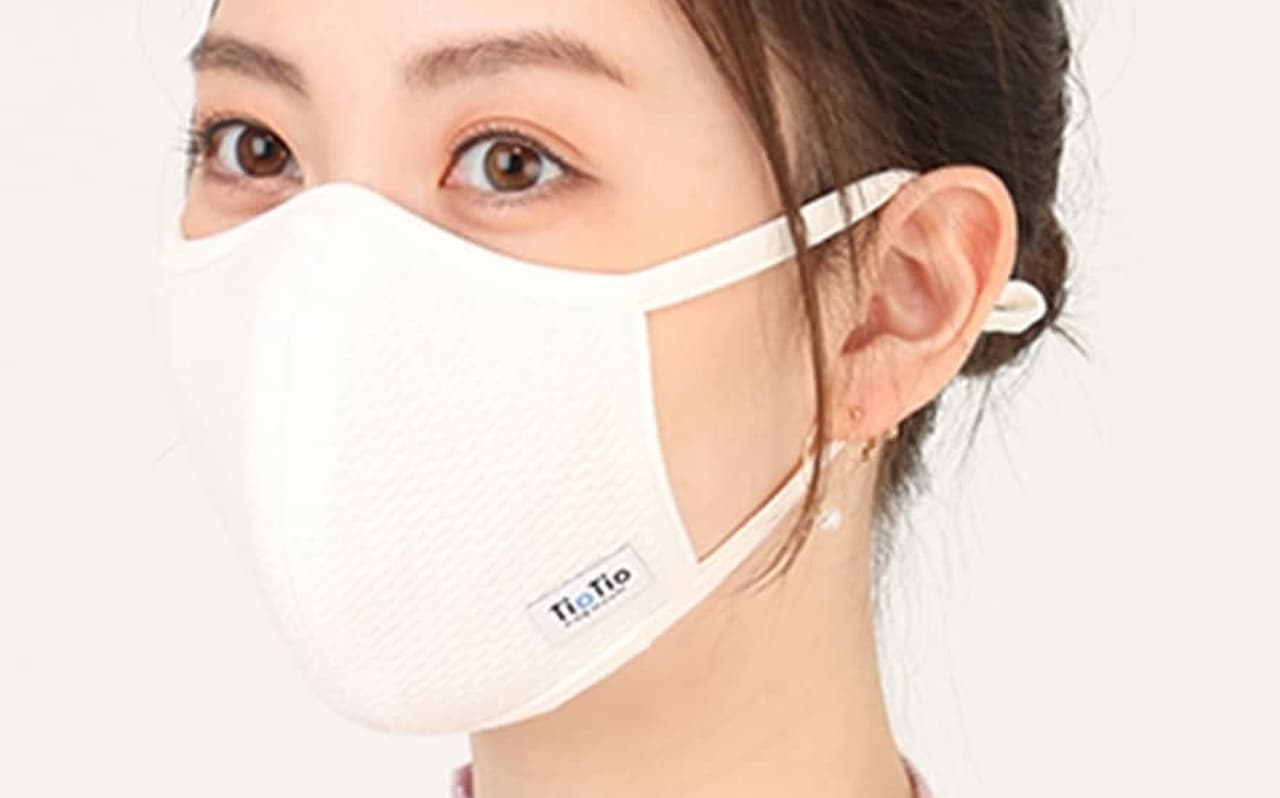 洋服の青山「抗ウイルス加工マスク」を10万枚増産