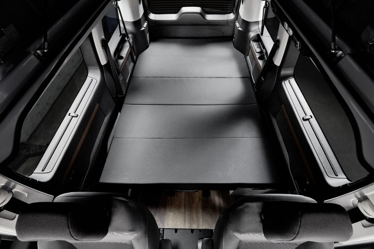 トヨタ車ベースのコンパクトなキャンピングカー Crosscamp Lite