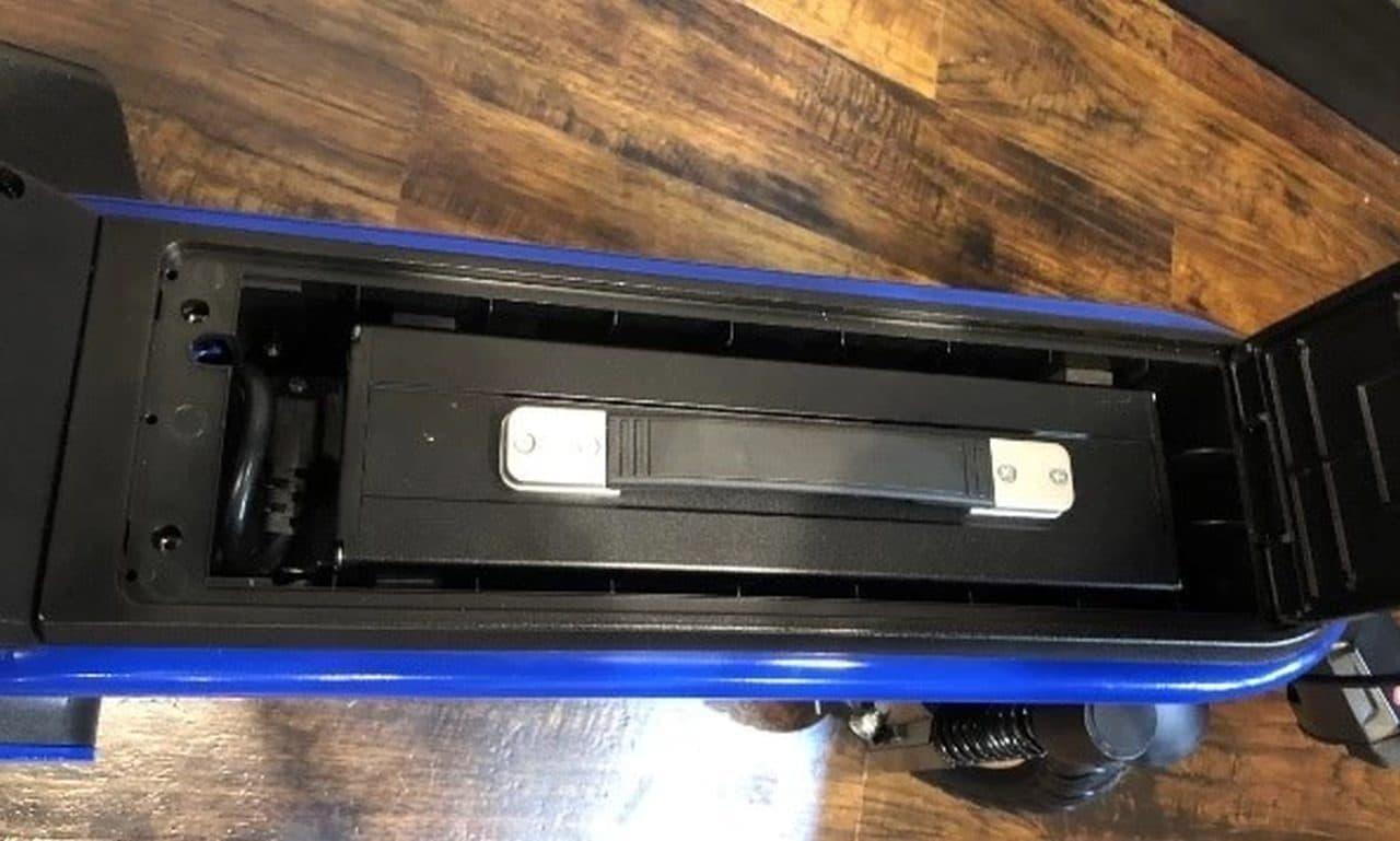 公道を走れる電動スクーターECOモビ「F1」に 長距離ツーリングモデル「F1-D」