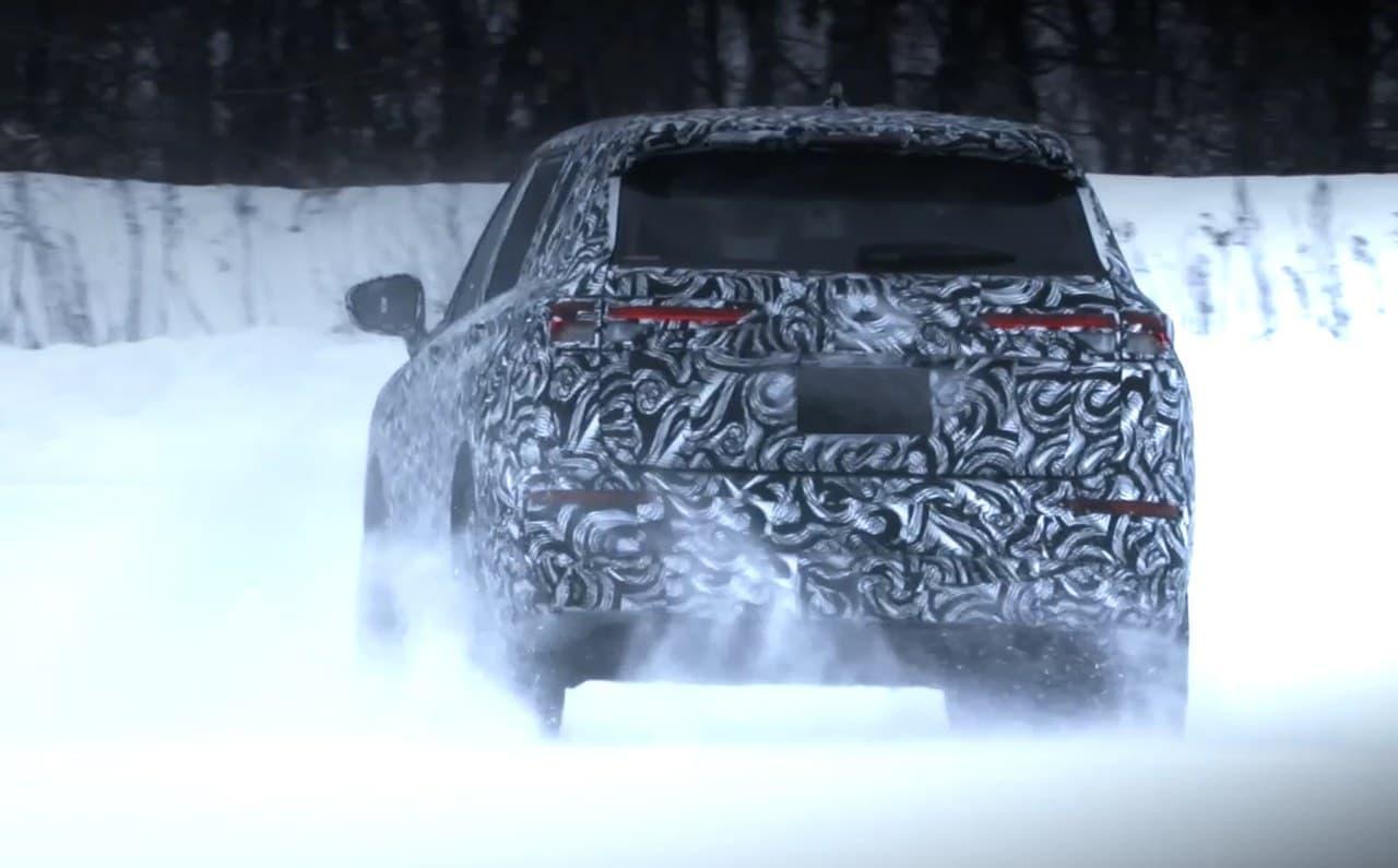 三菱 新型「アウトランダー」北米仕様車を出荷開始