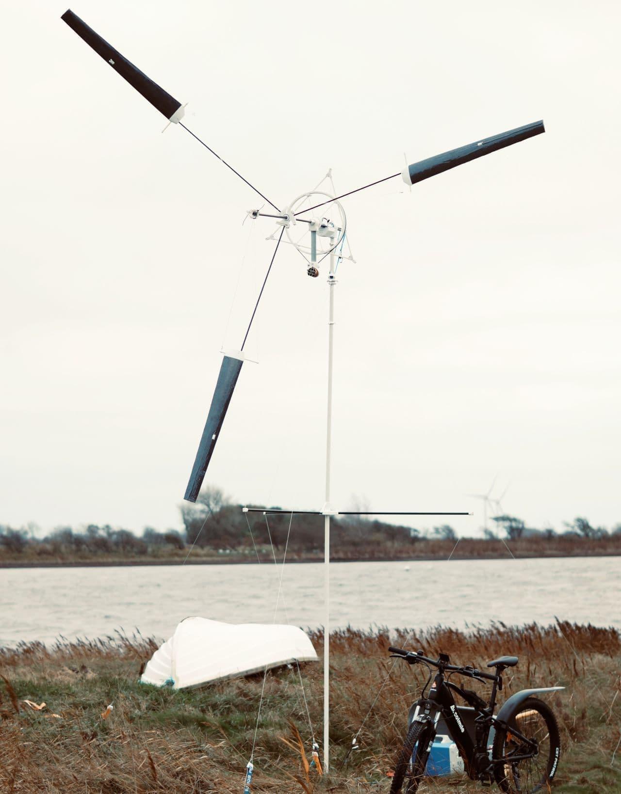 【キャンプをオール電化】15分で設営できるポータブル風力発電機「ウインド キャッチャー」