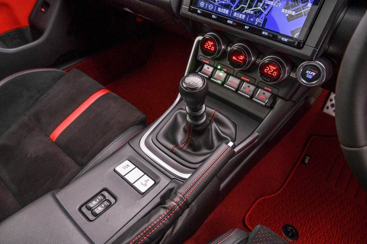 0-100km/h加速6.3秒!トヨタ新型「GR 86」世界初披露