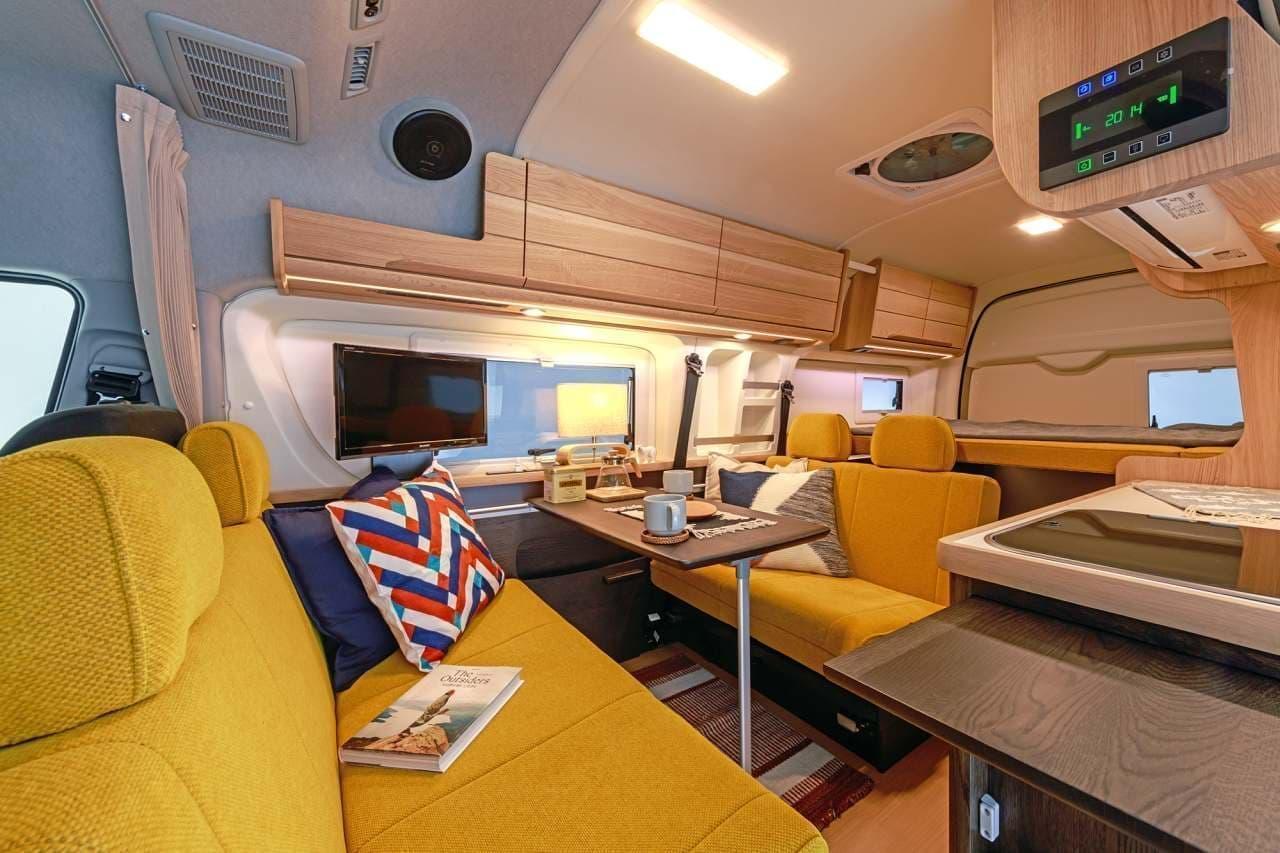 トヨタ「ハイエース」ベースのキャンピングカー「BADEN」にカリモク家具とコラボした「BADEN Karimoku version」
