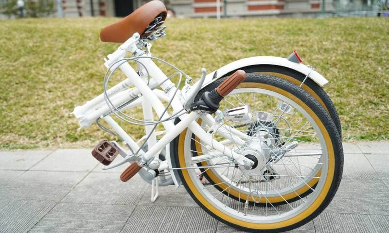 走るだけでタイヤに空気が入る「エアハブホイール」搭載自転車に折り畳みバージョン登場