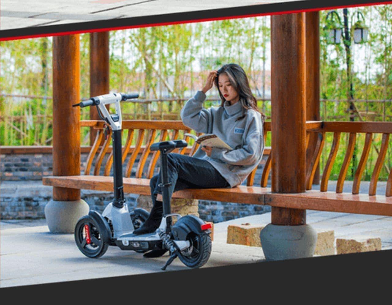 フロント2輪のキックボード型電動スクーター「ilark」Makuakeに登場