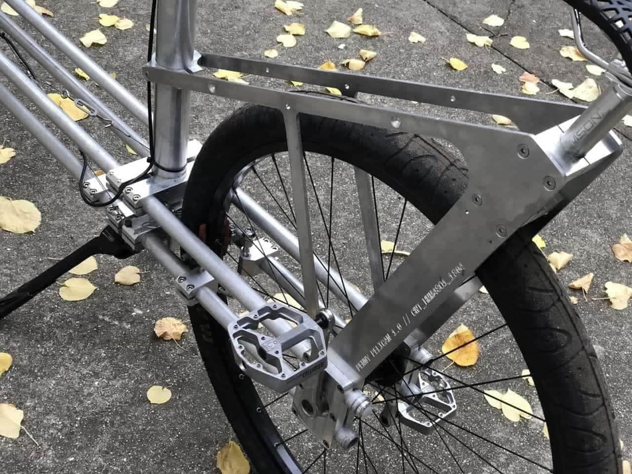 ペニー・ファージングスタイルを採用したカーゴバイク「ペニー・ペリカン」