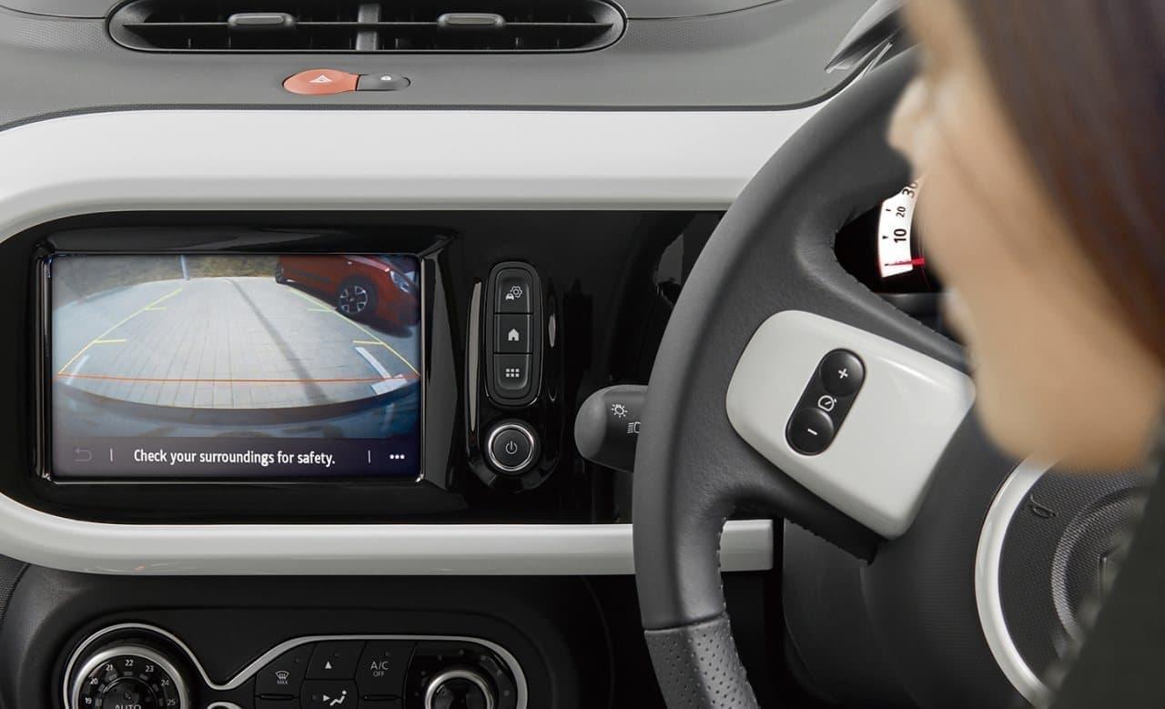 走りが楽しいMT車にはリアカメラ装備 - ルノー「トゥインゴ」の装備が充実
