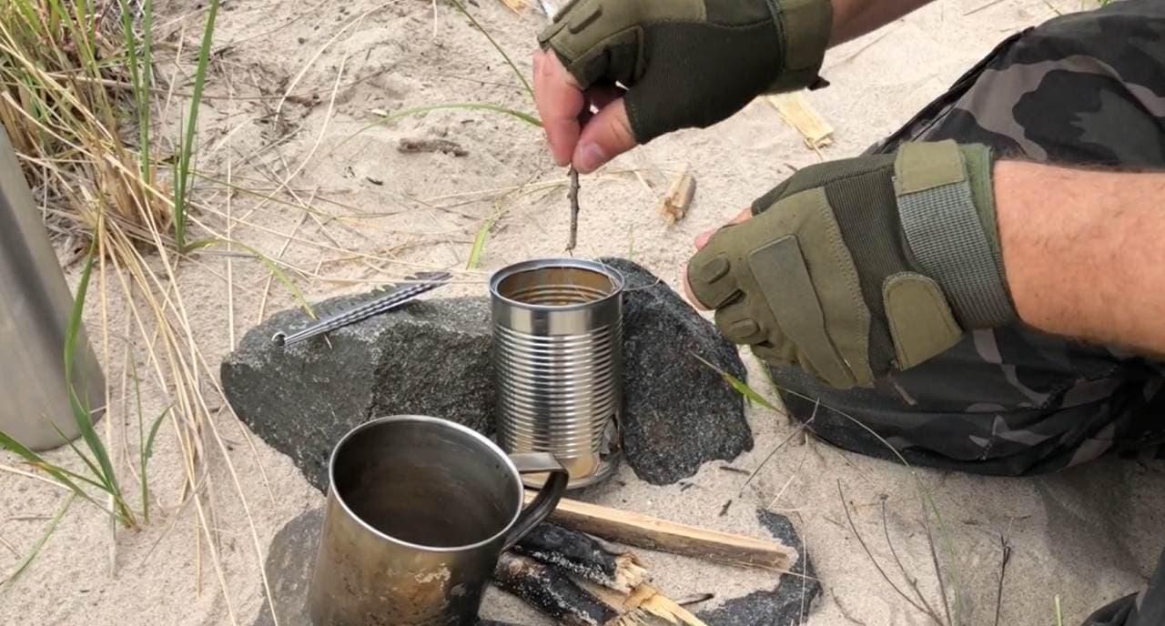 空き缶をコンロにする「Survival Stove Head」