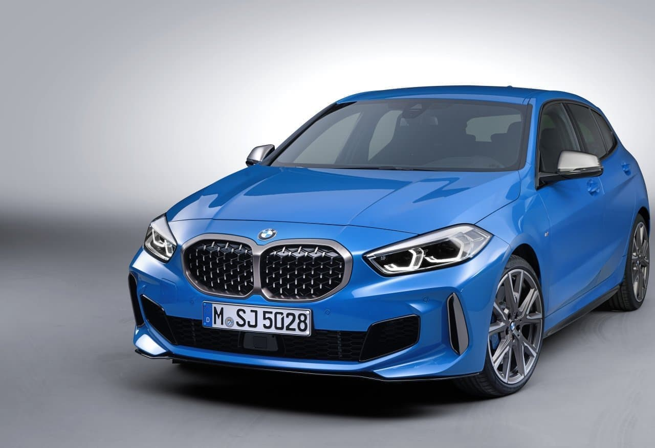 BMWのコンパクトモデル1シリーズで快適性を高めるオプションが標準装備に