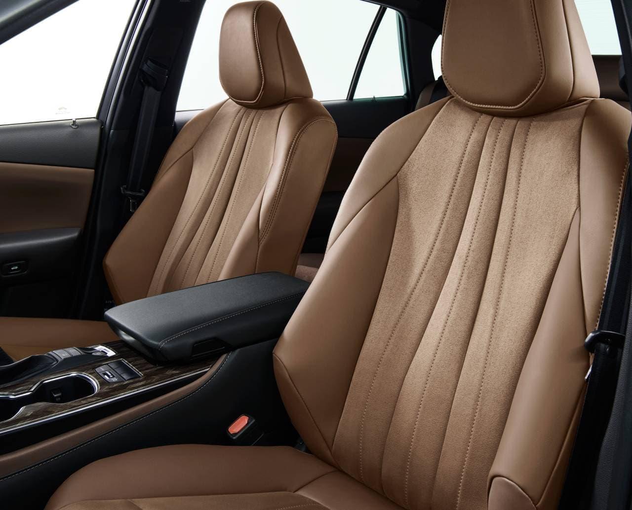 """トヨタ「クラウン」に特別仕様車 スポーティな""""Limited II""""とエレガントな""""Elegance Style III"""""""
