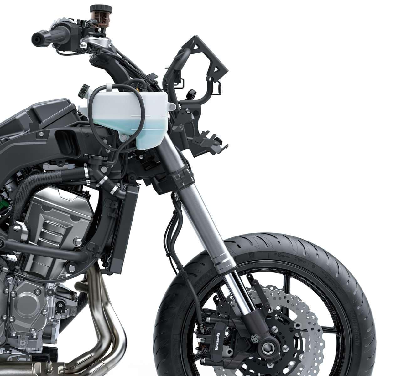 カワサキ 進化した「VERSYS 1000 SE」発売 スカイフックテクノロジーで走行性能&快適性をアップ