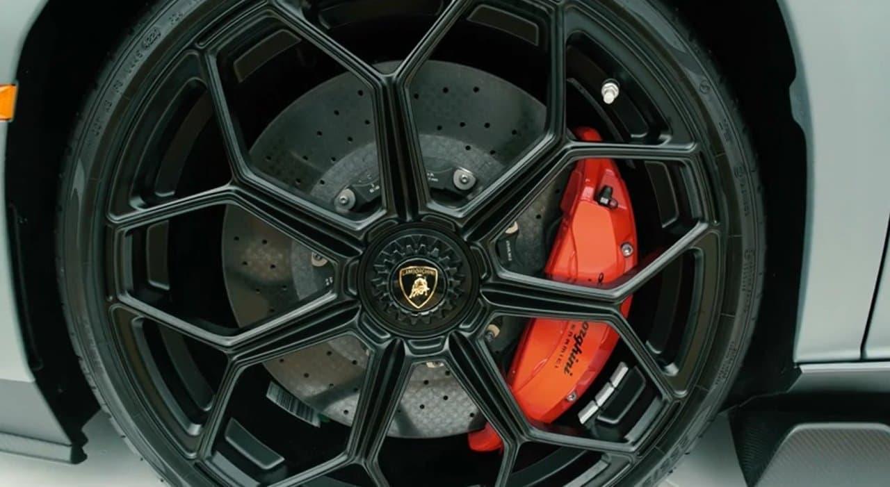 780馬力のV12NAエンジン搭載 ランボルギーニ「Aventador LP 780-4 Ultimae」発表