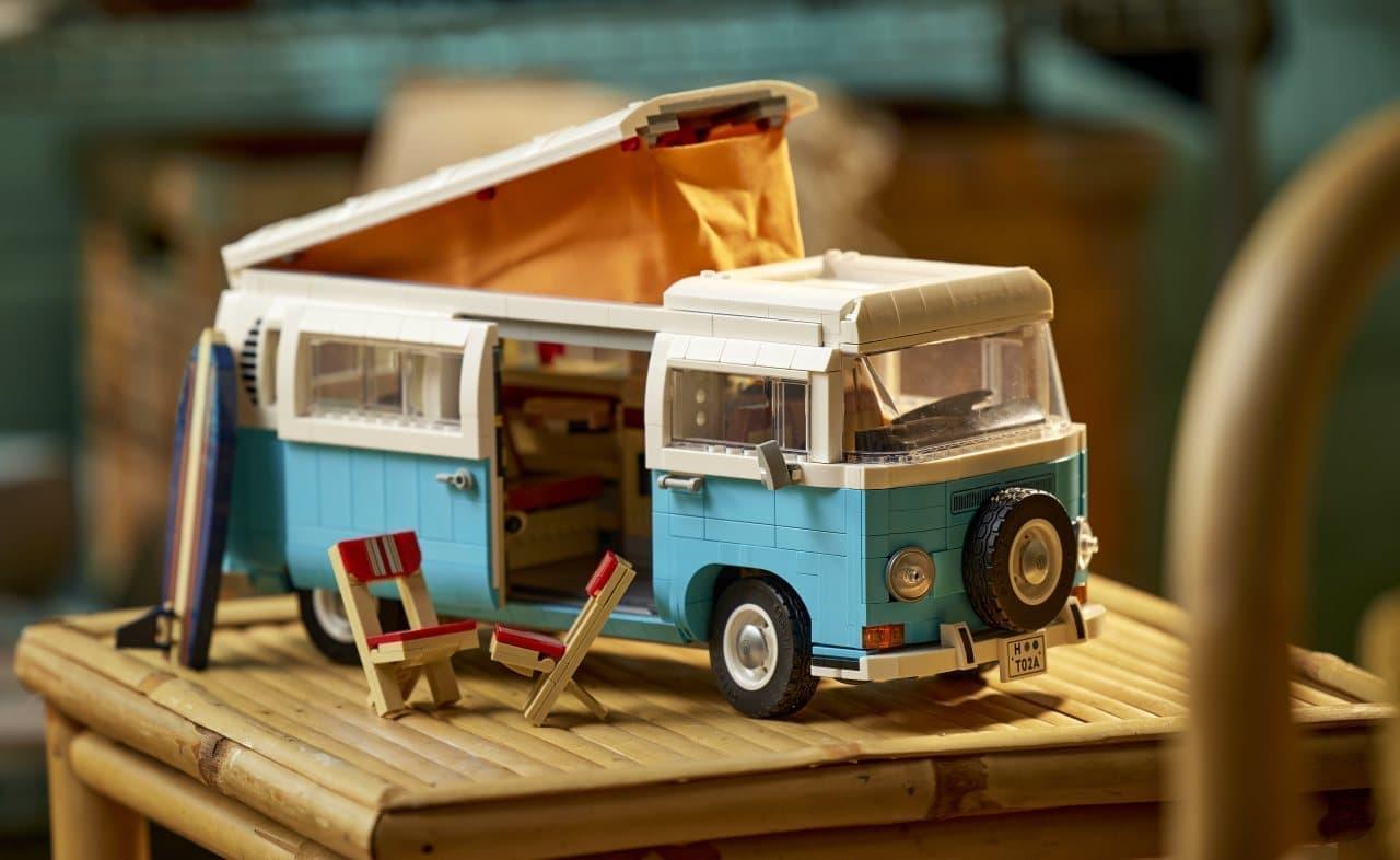 ワーゲンバスをレゴで再現「レゴ フォルクスワーゲン タイプ2バス キャンピングカー」 インテリアにまでこだわってます