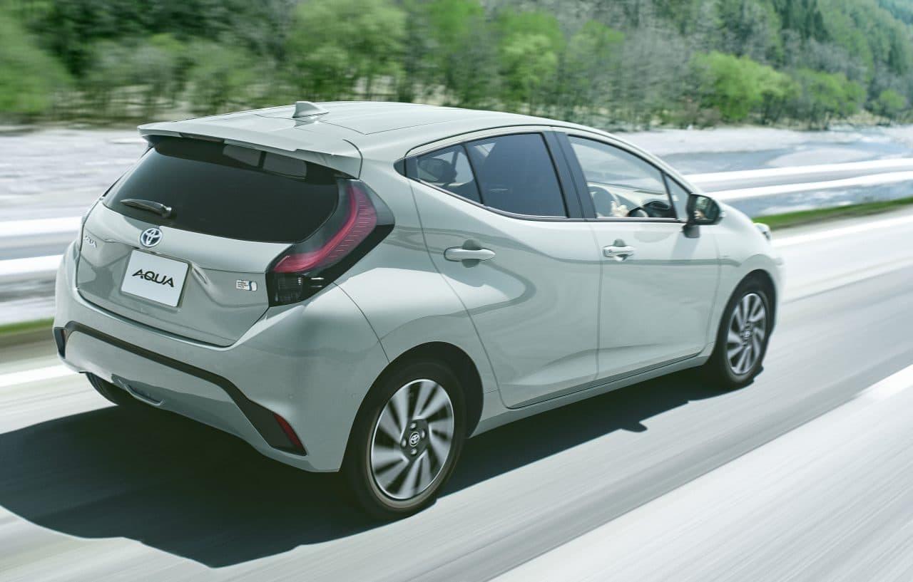 トヨタが新型「アクア」発売 - 「快感ペダル」をトヨタ初採用