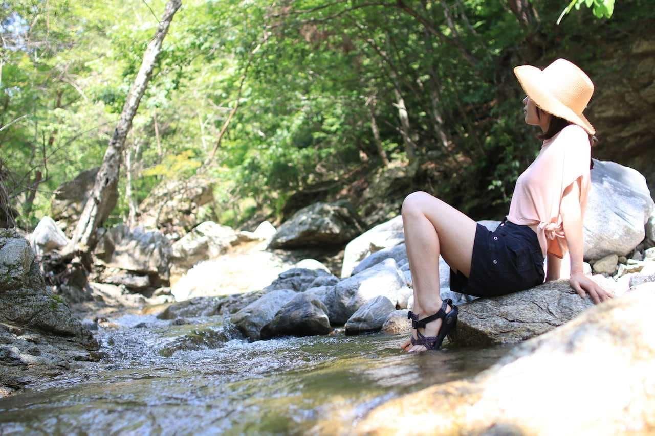 夏は長野で川キャンプ! テントサウナも楽しめる「Kuwabara Camp」