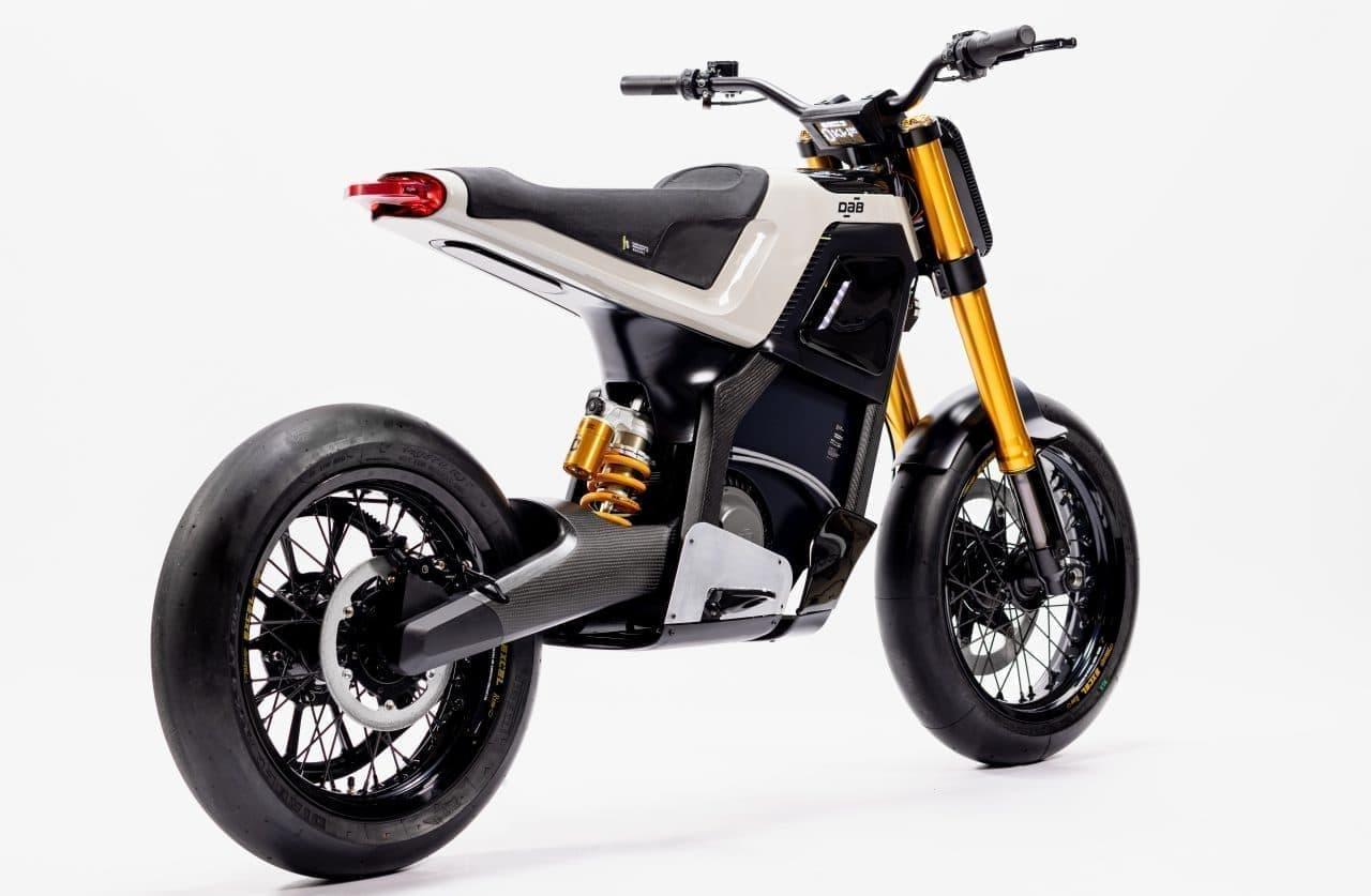 カーボンボディの電動バイクDAB MOTORS「CONCEPT-E」