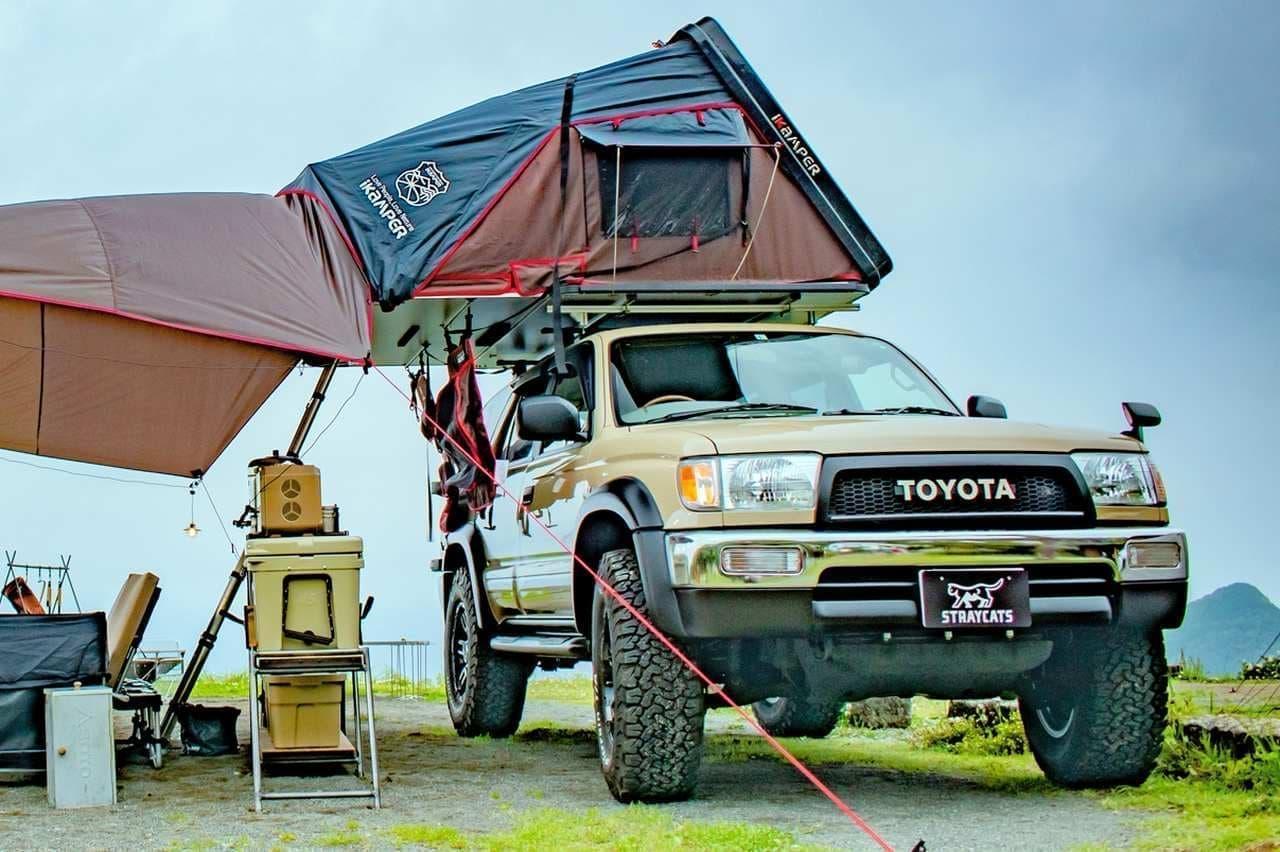車中泊仕様のトヨタ「ハイラックスサーフ」をレンタルで! 手ぶらキャンプを提案する「STRAYCATS」サービス開始