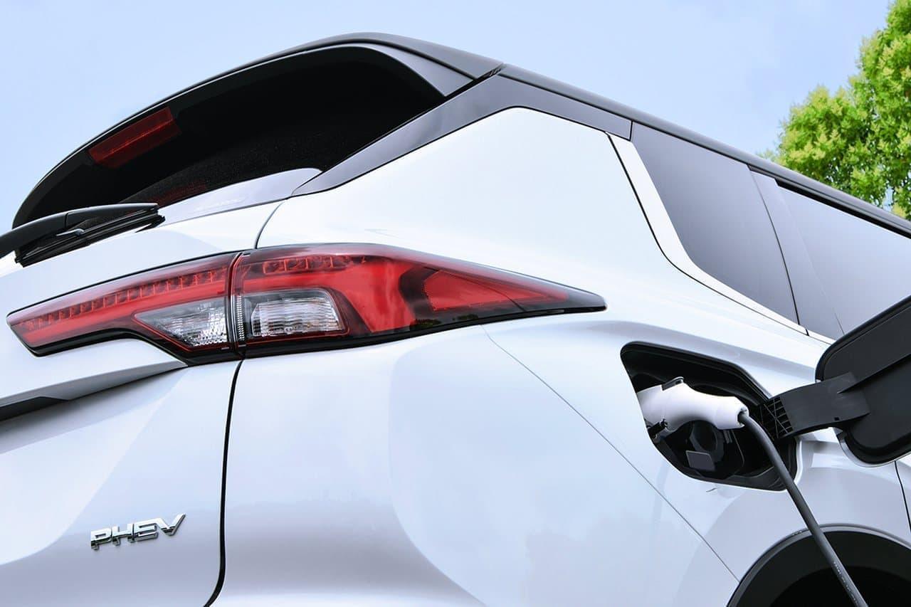 三菱自動車が新型「アウトランダー」PHEVモデルを今冬発売
