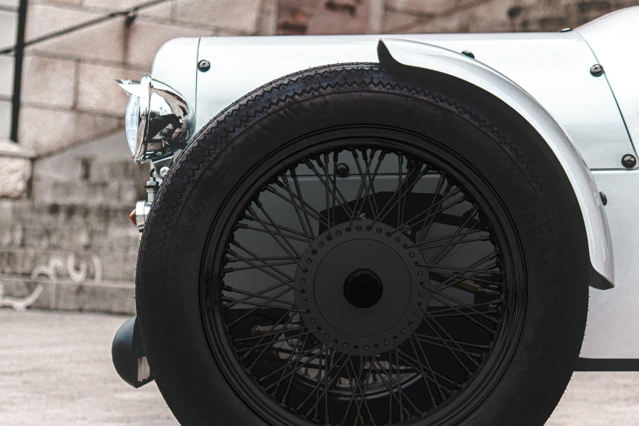 普通免許で公道を走れる電動クラシックカー ブレイズ「EV CLASSIC」に特別仕様車「S-EDITION」