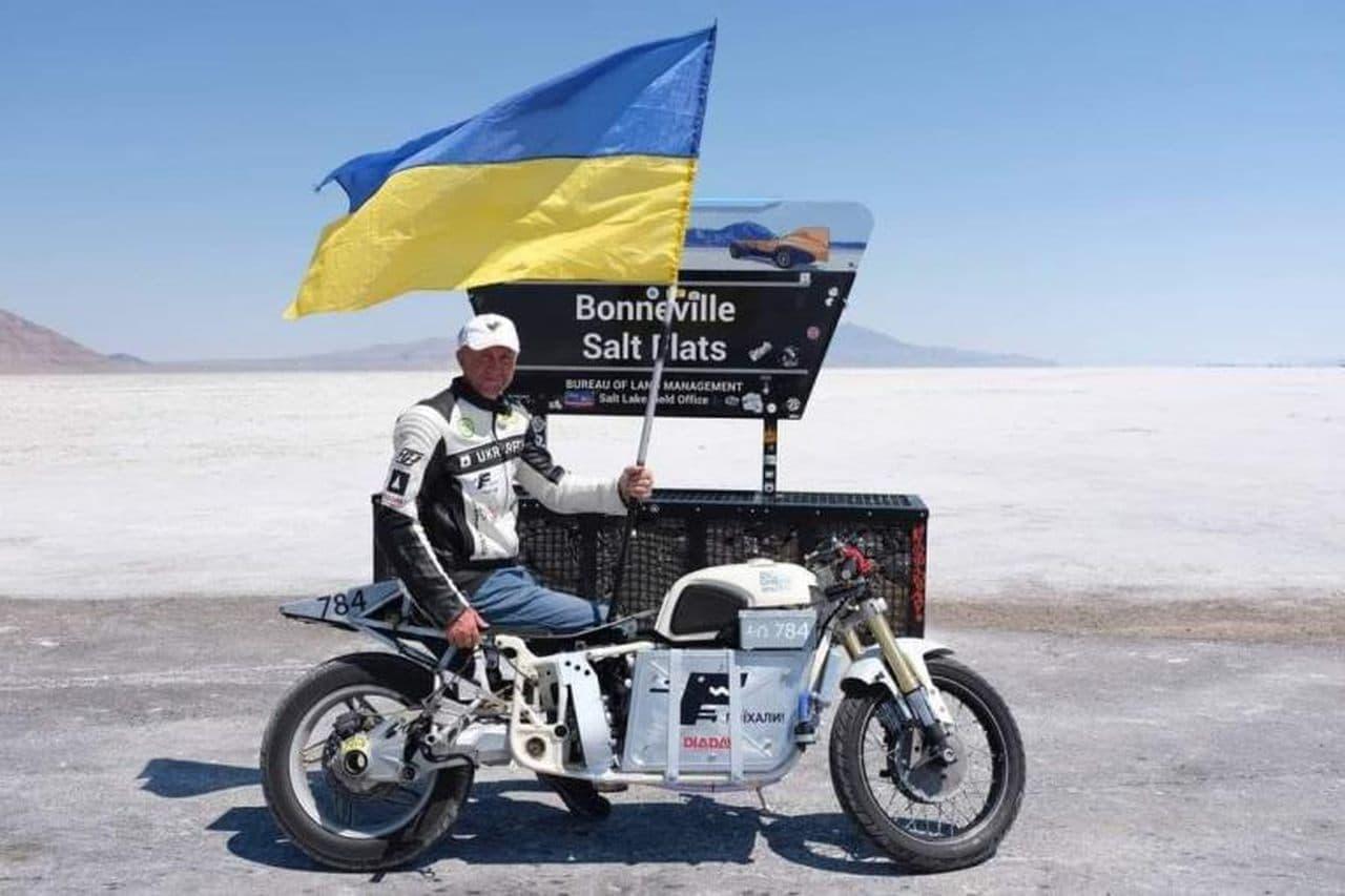 世界中のバイクライダーが最速に挑むボンネビルスピードウィークでDELFASTが電動バイク最速記録を樹立